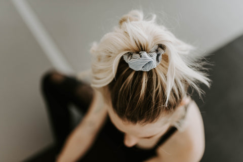 Quinn grey striped scrunchie - Copper Lake