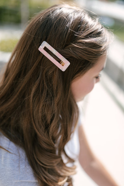 Lola pink rectangle clip