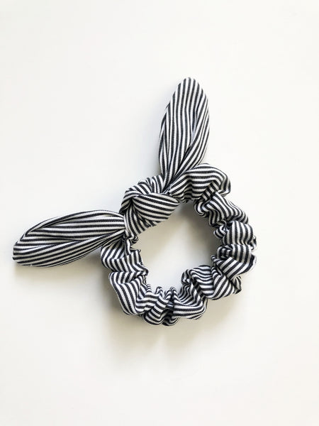 Savannah charcoal striped knot scrunchie - Copper Lake