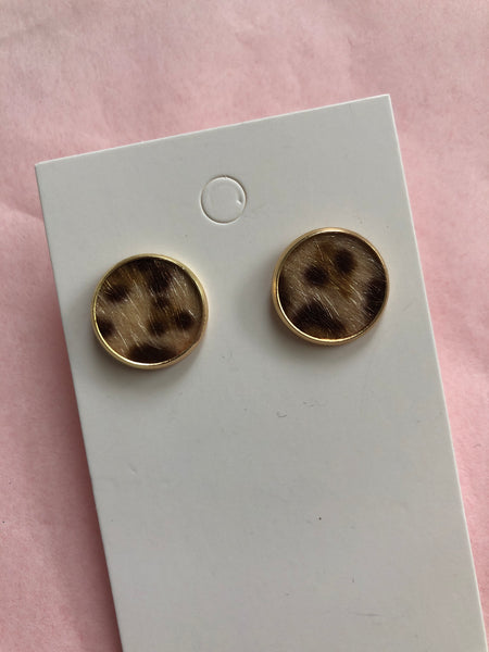 Leopard stud earrings - Copper Lake