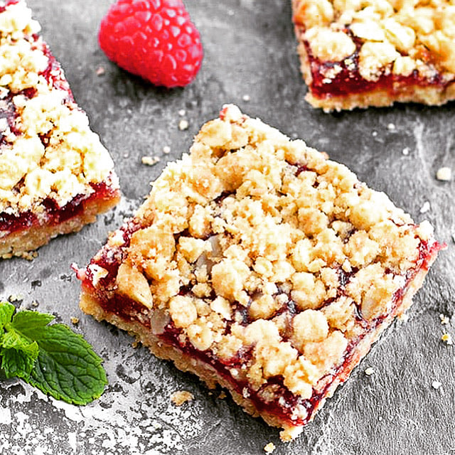 2 Bars Keto Raspberry Streusel Cake bars
