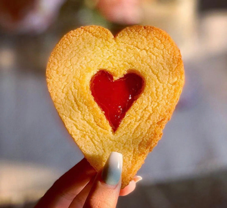 1 Large Linzer Heart Cookie / Low sugar Jammy Dodgers