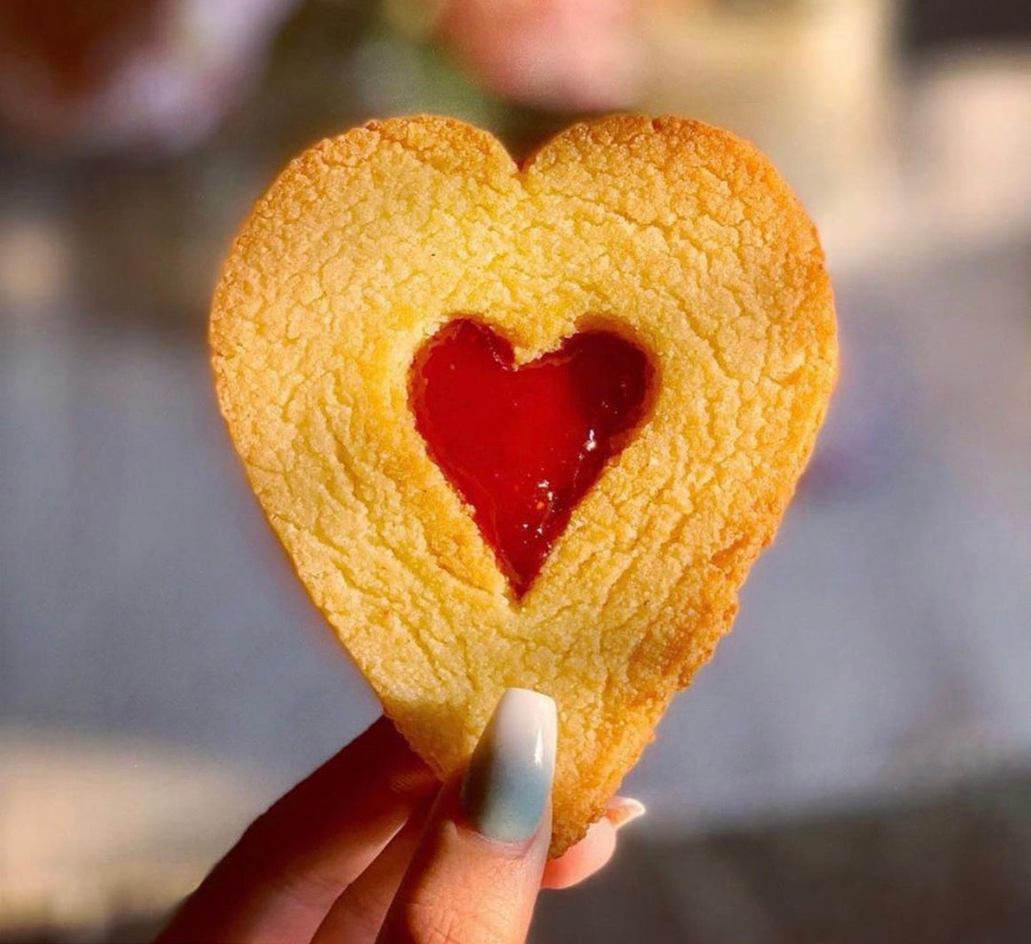 1 Large Linzer Heart Cookie / Sugar free Jammy Dodgers
