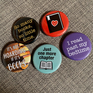 BOOK LOVER mini badge set