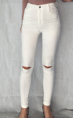 Stretch Skinny Jeans with Ripped Knee