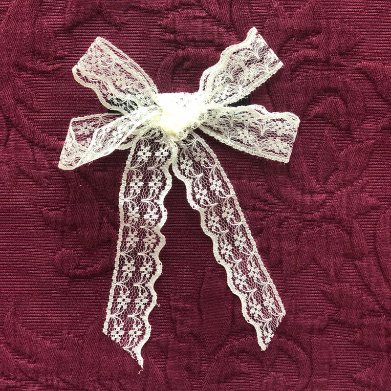 Rabat bow - Handmade Lace hair bow in Vanilla (Clip)