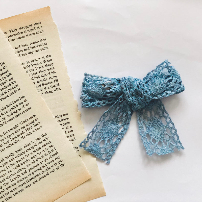 Mellieha bow in baby blue - Lace Handmade bow