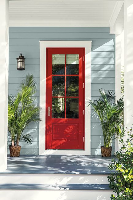 Caliente Red paint color on front door