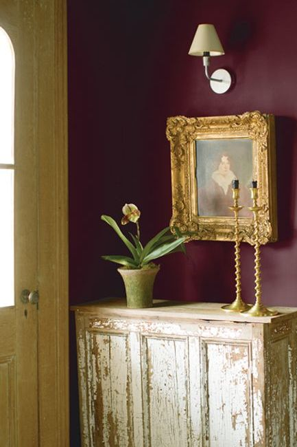 New London Burgundy paint color on walls