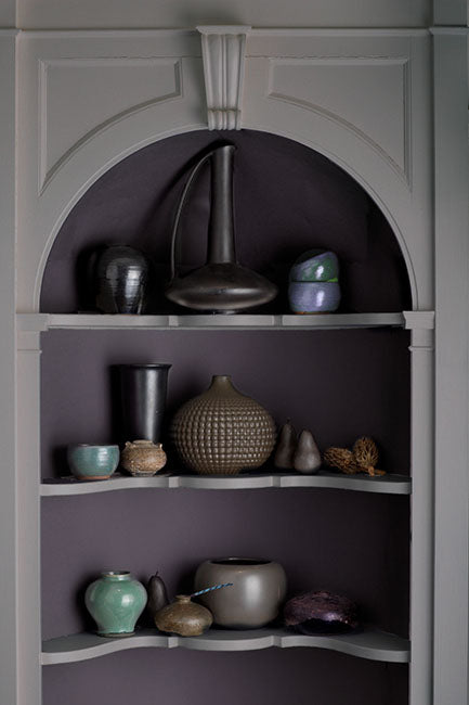 Niche shelves with pottery