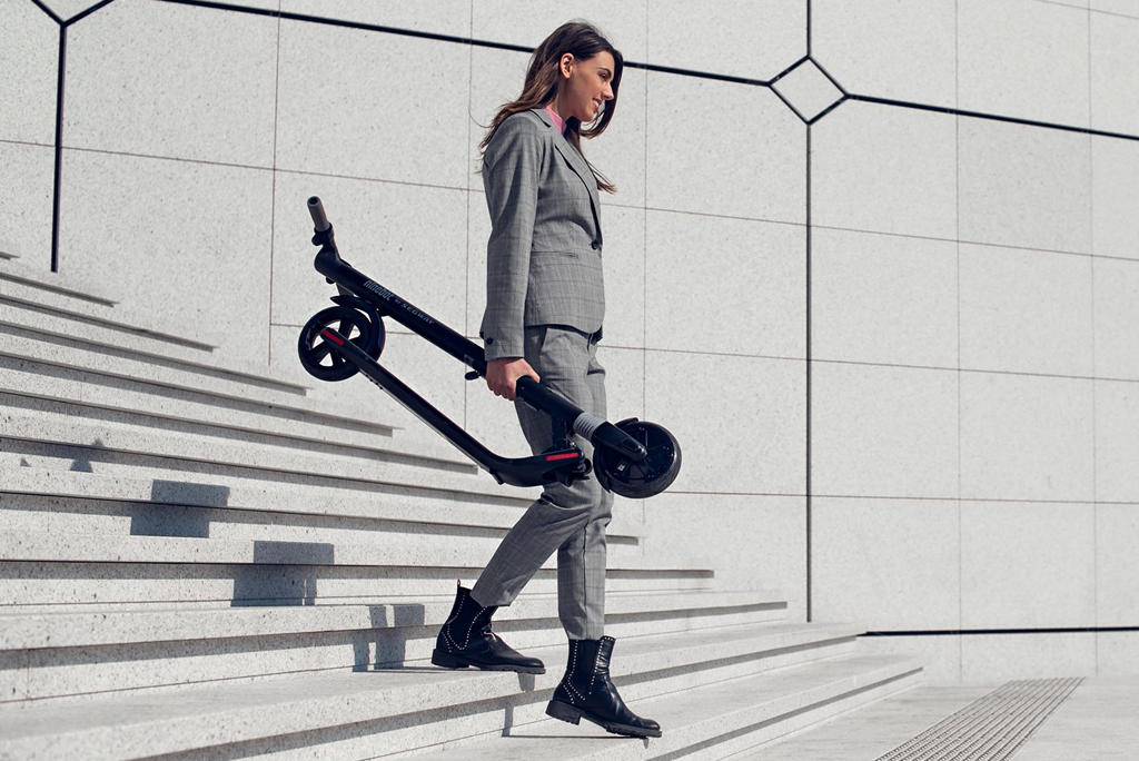 Ninebot ES2 is a lightweight scooter for carrying