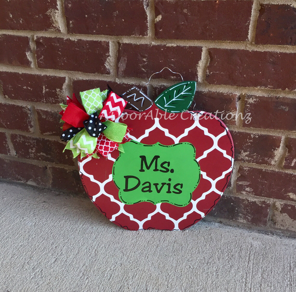 Personalized Teacher Quatrefoil Apple Door hanger - Simply Adorable Creations