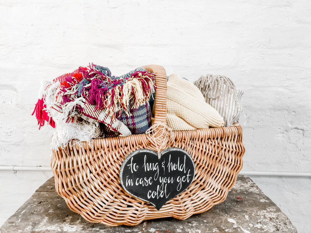 Blankets and throws – assorted