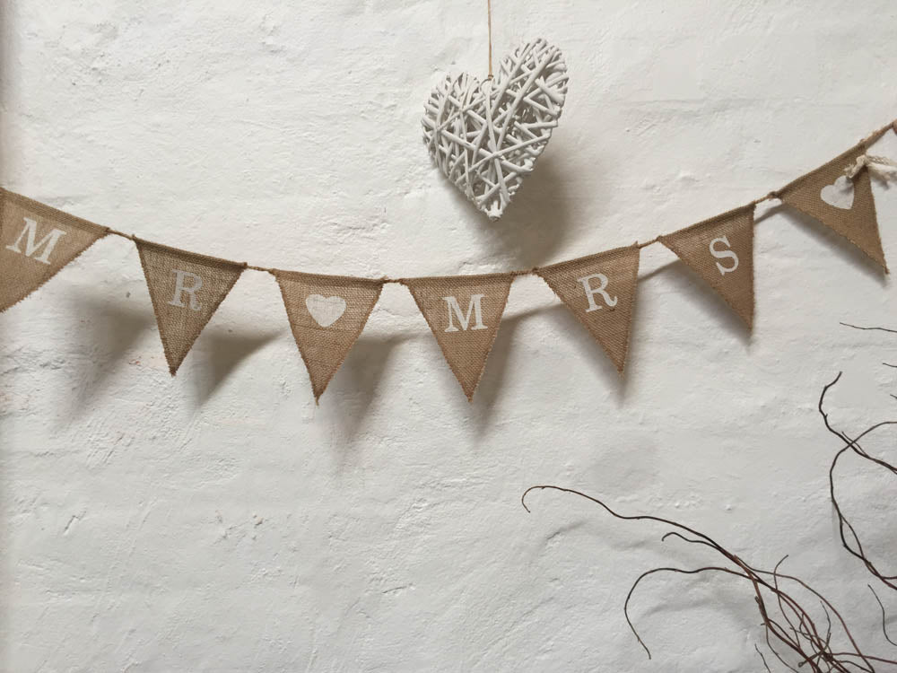 Bunting - Hessian - Mr and Mrs