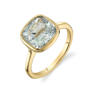 AQUAMARINE VINA BIRTHSTONE RING