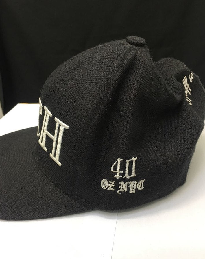 "40oz NYC ""RICH"" Embroided Snapback Cap"