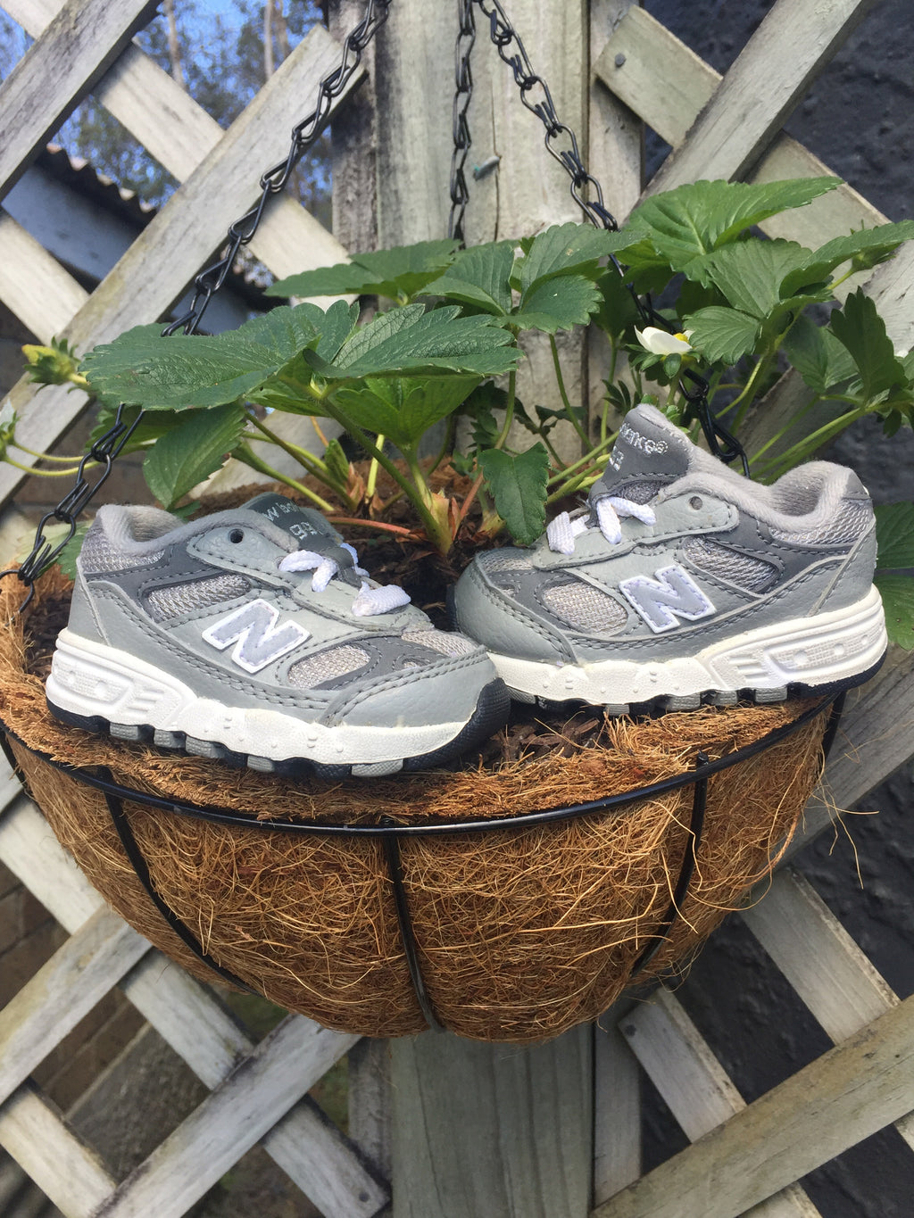 Cute wee Sz 2C New Balance 993