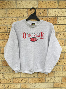 Men's Sz L but fits M, OSU Buckeyes sweater $50 🙌🏽