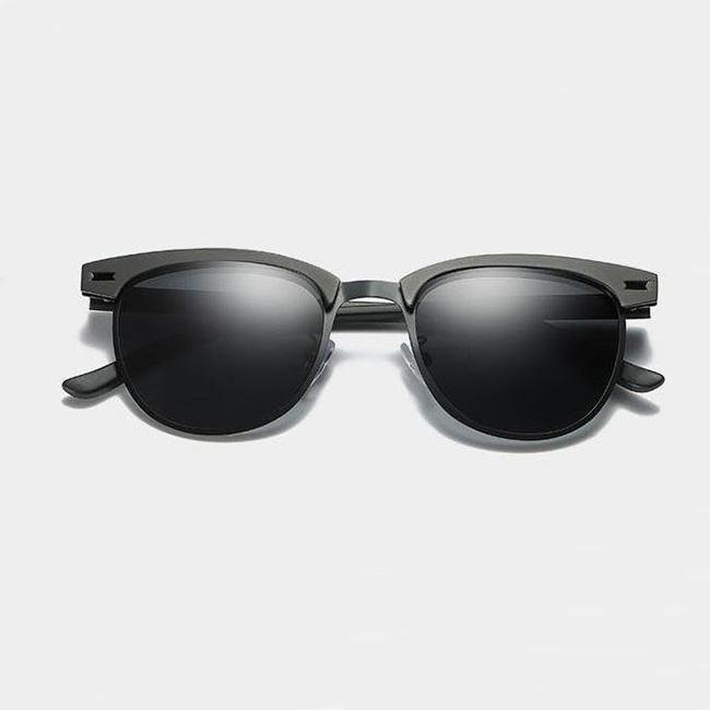 Opry Polarized
