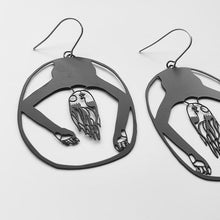 Load image into Gallery viewer, Peggy Earrings in Black