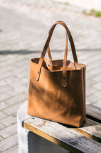 Load image into Gallery viewer, Leather Tote