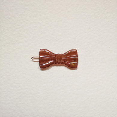 Small bow clip-Chestnut