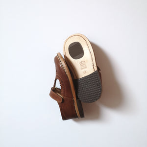 T-bar with scallop lace Trapper cuoio- low cut (in-stock)