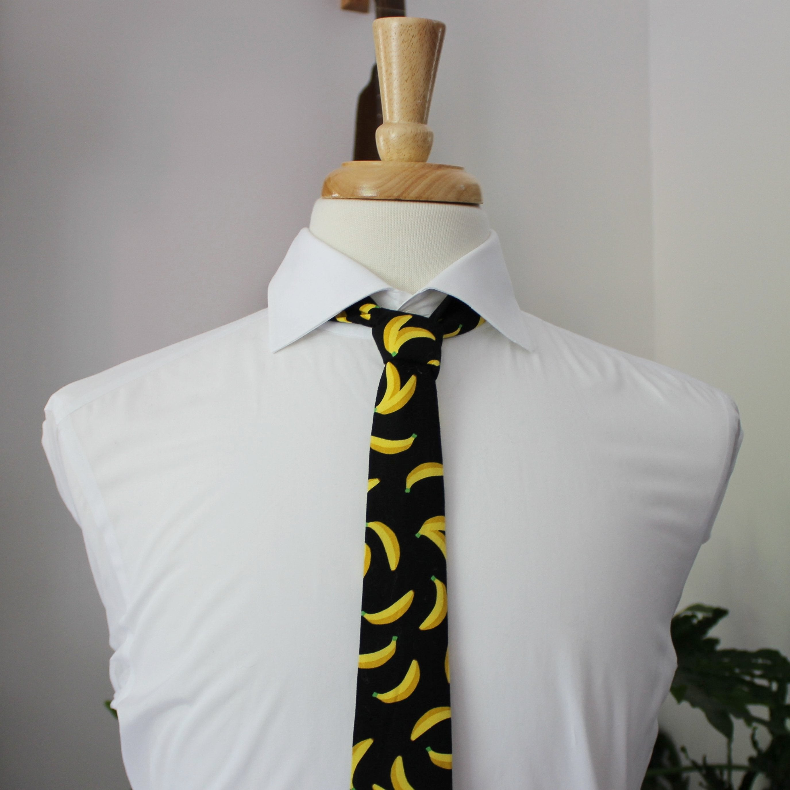 Fruity Pie Necktie in Banana