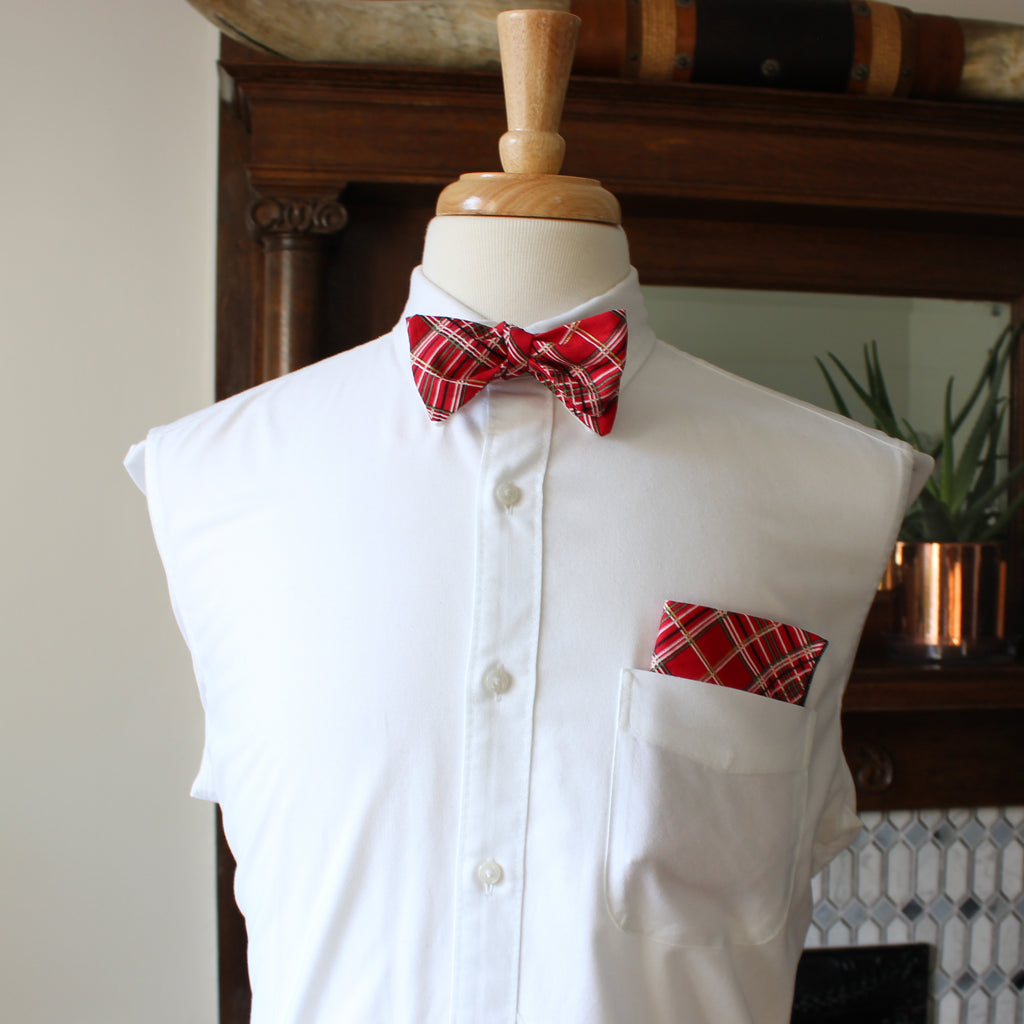 Holiday Plaid bow tie with Gold Metallic Highlights
