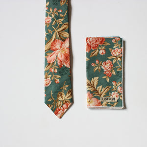 Antique Rose in Green Necktie