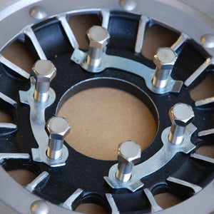 suzuki gt380 brake disc bolt set set in a wheel