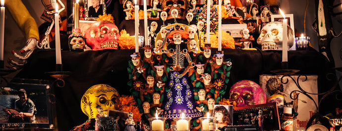 10 STEPS TO BUILD YOUR OWN DÍA DE LOS MUERTOS ALTAR - REINA REBELDE STYLE