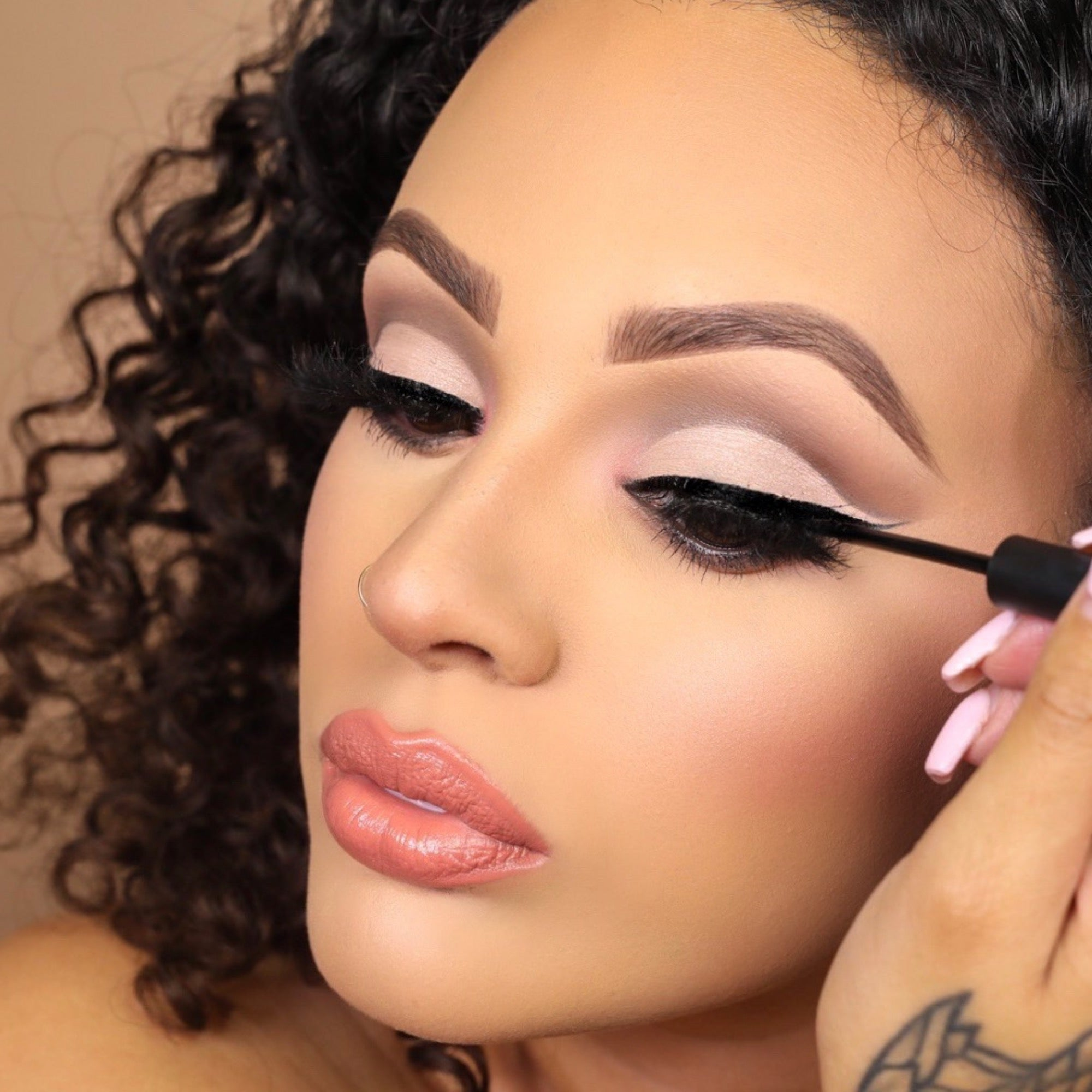 Load image into Gallery viewer, Flawless Eye Bundle x @Viva_Glam_Kay
