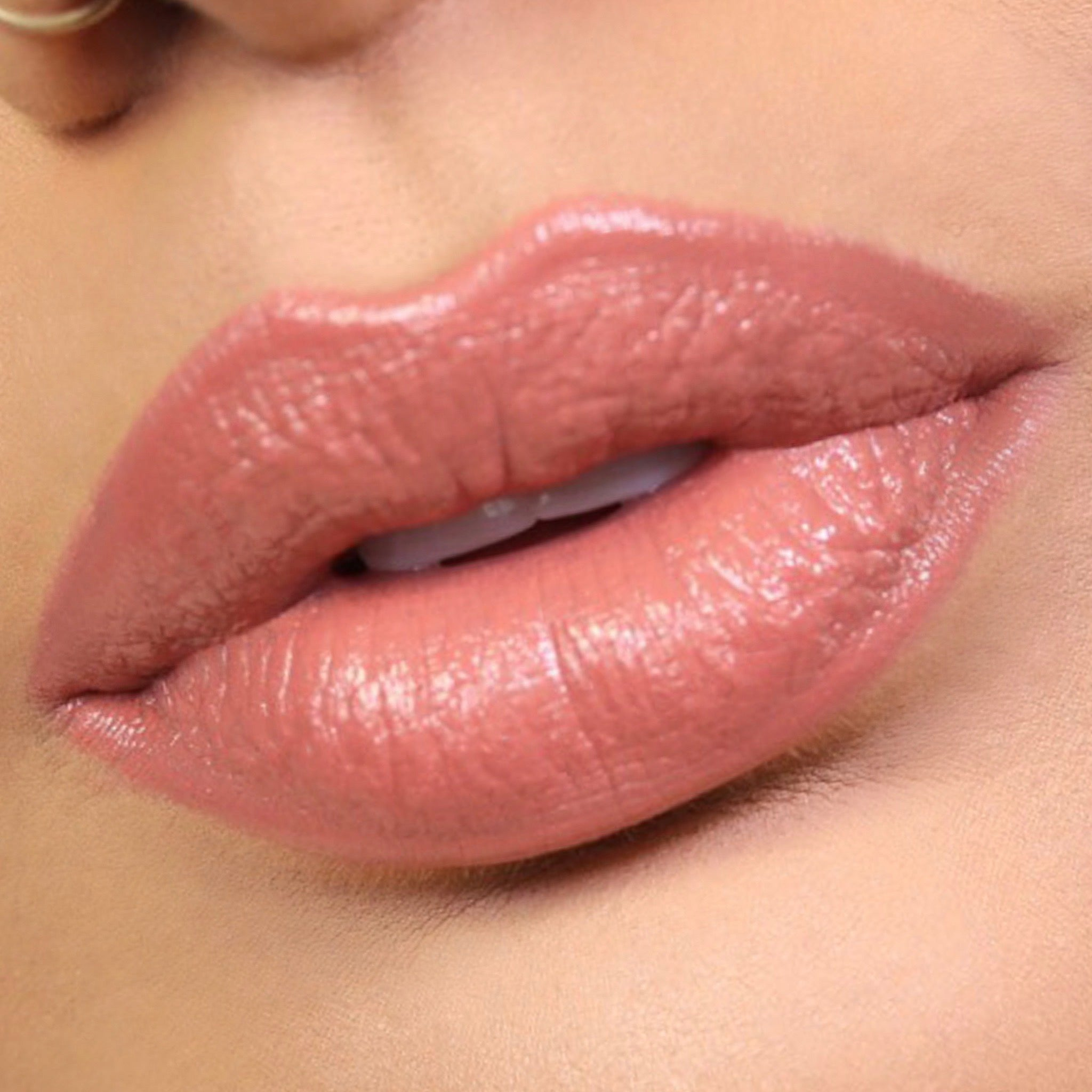 @Viva_Glam_Kay BOLD LIP COLOR STICK - Alma Desnuda