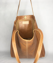Load image into Gallery viewer, AVERY Leather Tote