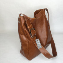 Load image into Gallery viewer, Leather Tote | Chestnut