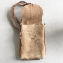 Load image into Gallery viewer, DAKOTA Cow Hide Crossbody Bag | Fawn