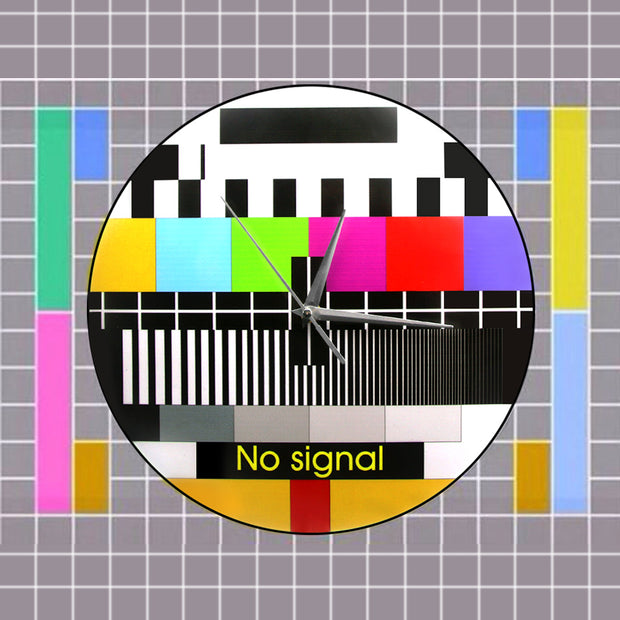 Retro TV No Signal Wall Clock | Ten Big Ones