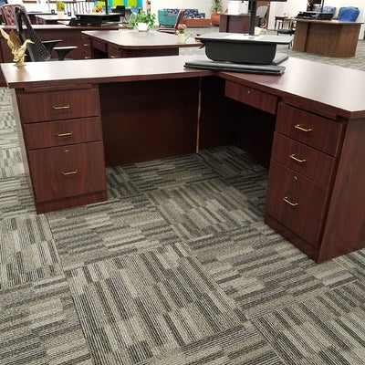 Workstation with Right Return Mahogany