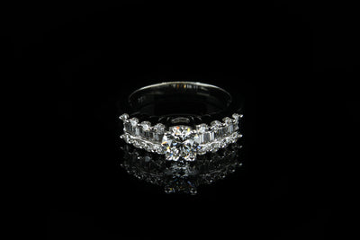 18K W/G Engagement Ring C1.00ct S0.70ct