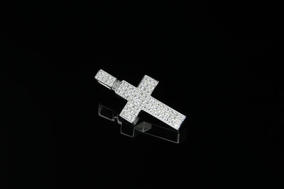 18K W/G Diamond Cross 0.70ct