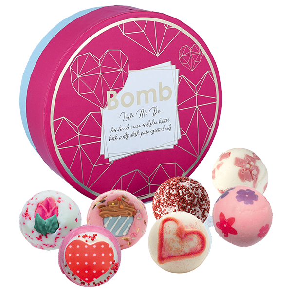 Bomb Cosmetics - Christmas 2019 Love Me Do Gift Pack for Women