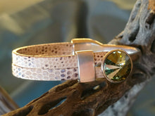 Load image into Gallery viewer, Ivory Gecko Bracelet