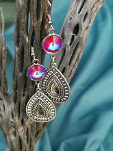 Load image into Gallery viewer, Sangria Silver Drop Earrings