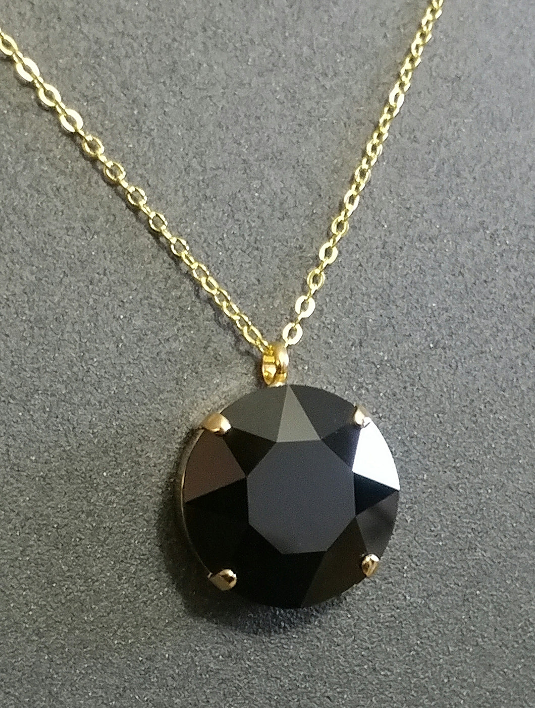 Black & Gold Corona Pendant
