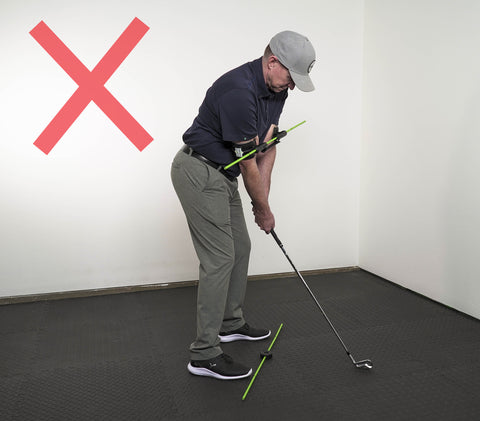 Photo of incorrect shoulder alignment when using the Swing Align golf swing aid