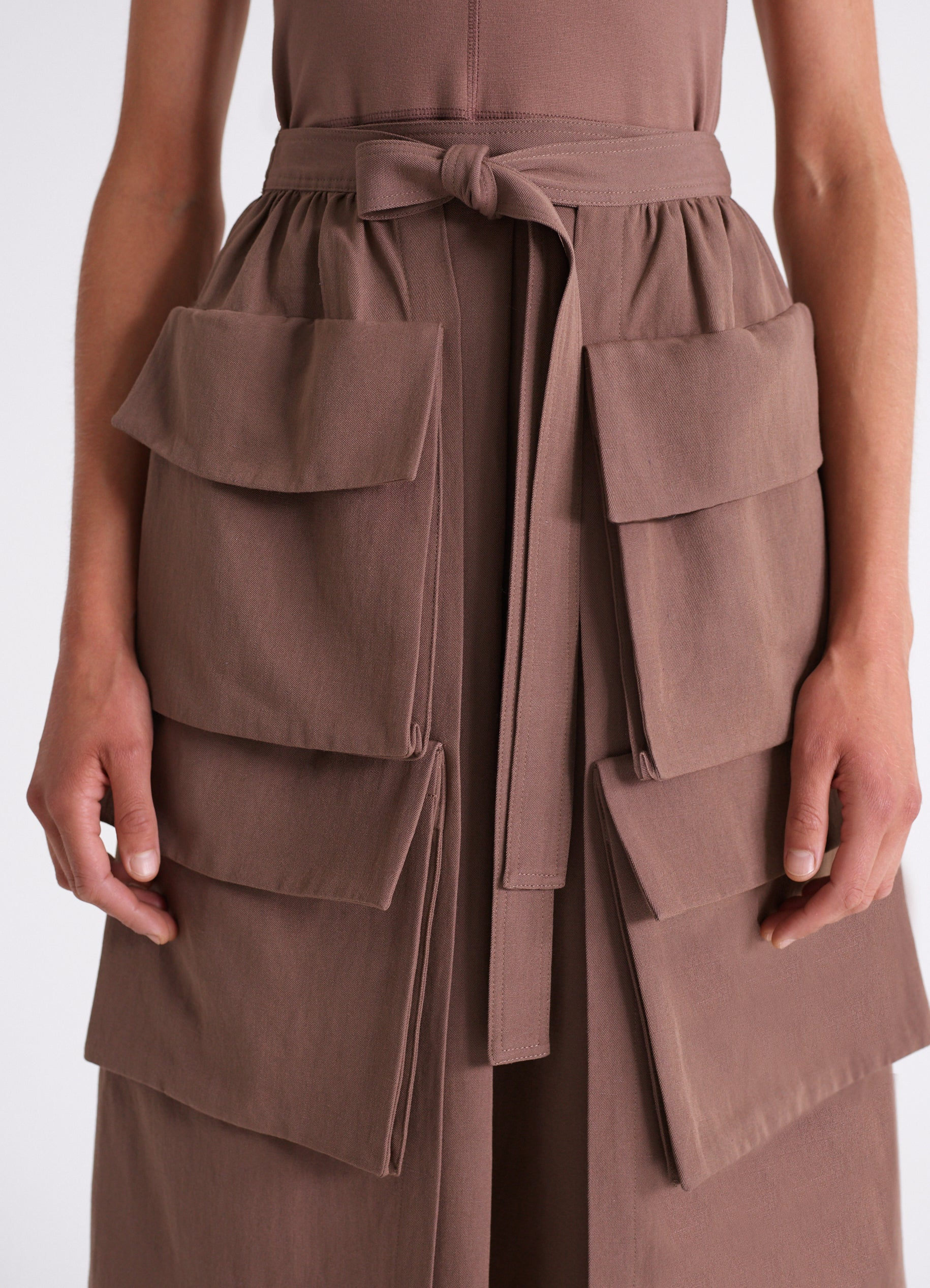 MULTIPOCKET SKIRT