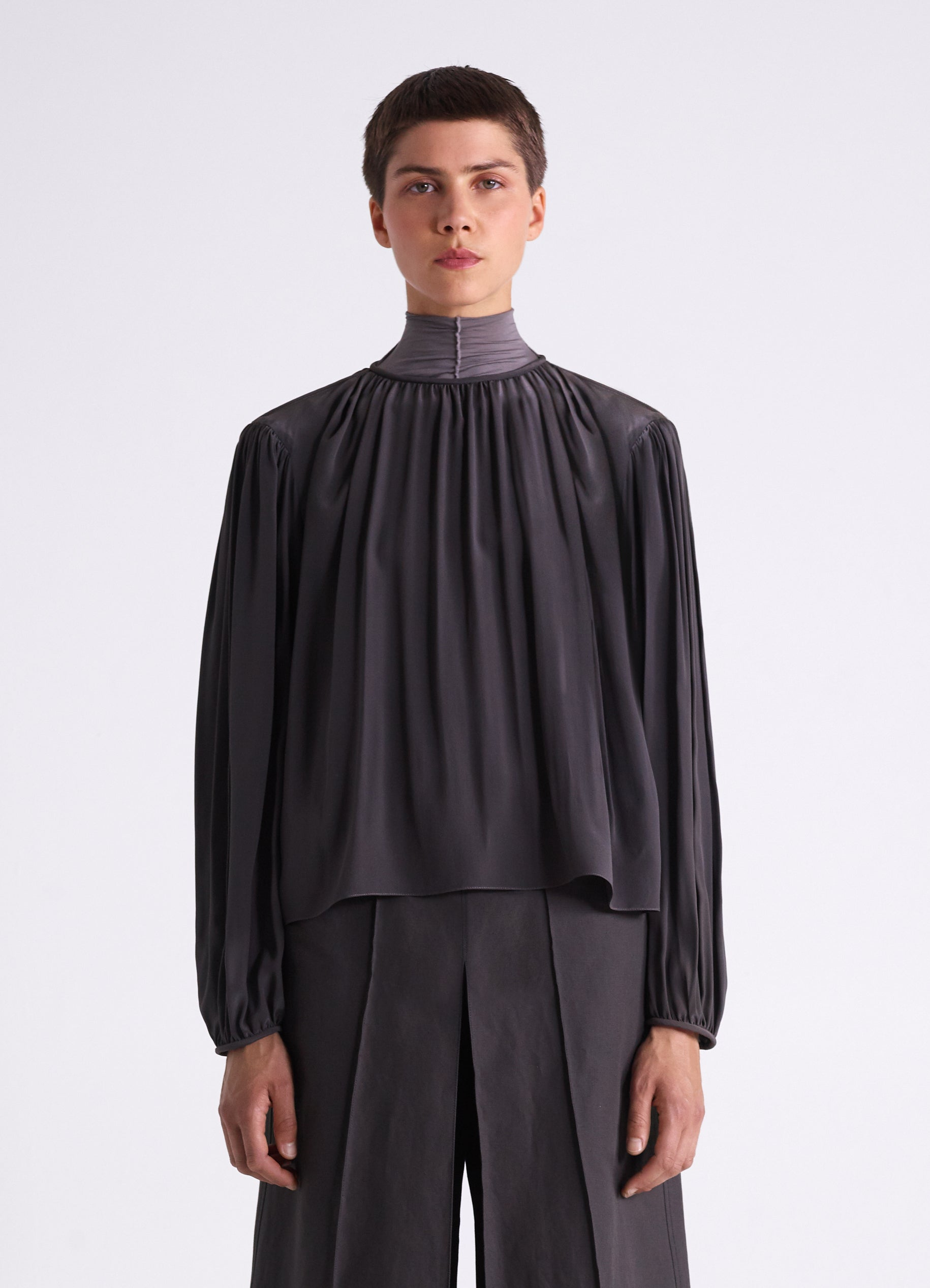 TOP WITH PLEATS