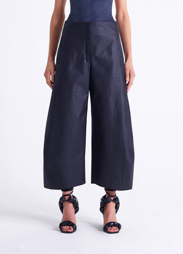WADDED CURVED PANTS