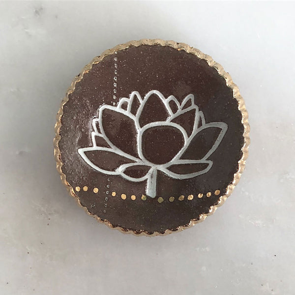 Lotus Ring Dish ceramic with gold detail